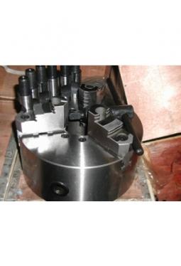 Dreibackendrehfutter Stahl K11 200 mm, max. 3040 U/min